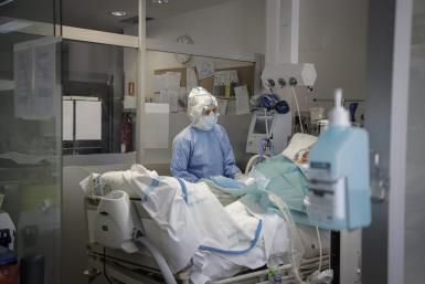 There has been a decrease in the number of Covid patients in intensive care.