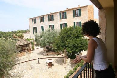 Some 400 rural tourism establishments were open in August.