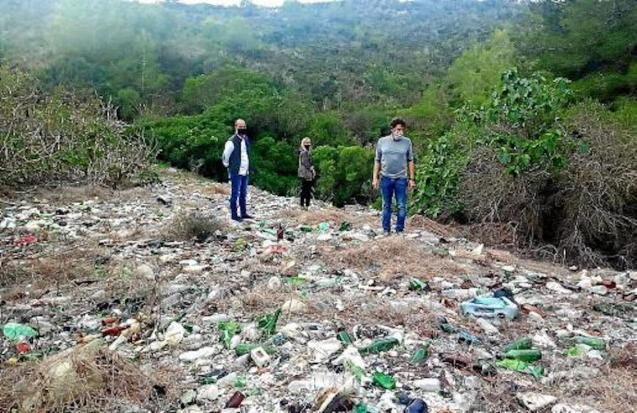 Felanitx Mayor Jaume Monserrat & Councilor Catalina Soler at the landfill.