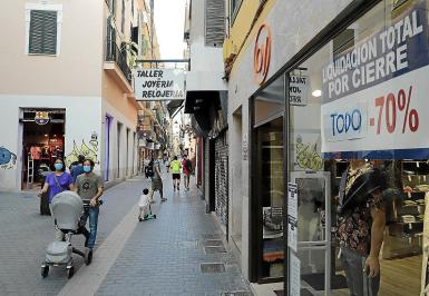 The lack of tourists has badly affected shops in Palma's centre.