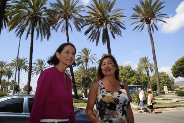 Reyes Maroto, Spain's tourism minister, with President Armengol of the Balearics