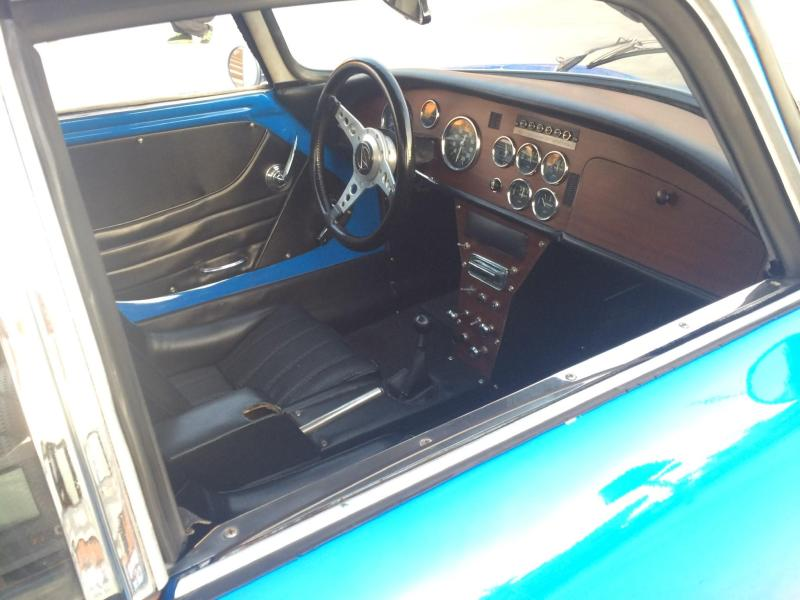 Matra Jet6 features a very '60s sports car dashboard
