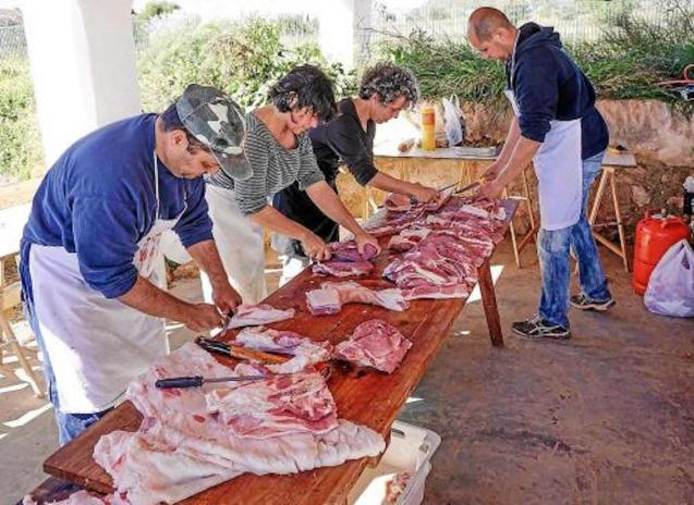 Pig slaughter, Part Forana, Mallorca.