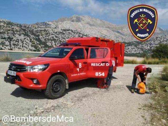 Firefighters in Puig de sa Rateta, Fornalutx.