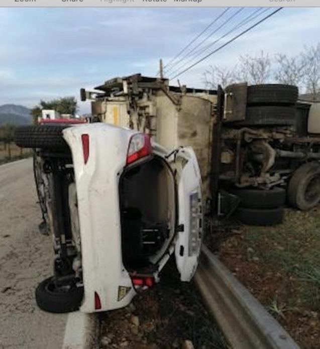 Truck & car crash in Bunyola.
