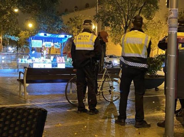 Cyclist stopped in Palma.
