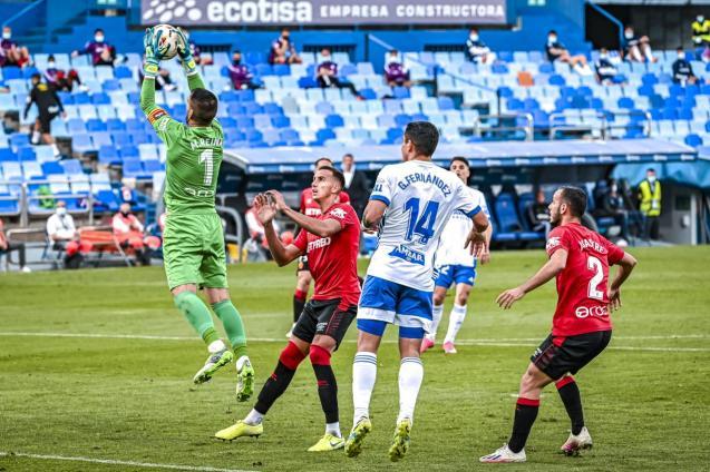 Real Mallorca's stand-in centre back Franco Russo