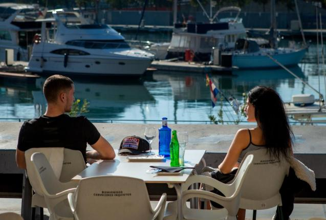 Bars and restaurants in the Spanish region of Catalonia reopen