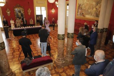 The Balearic parliament held its minute's silence.