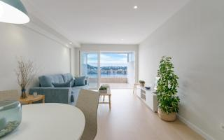 A bright, apartment with a Mediterranean style and a lovely sea view in Santa Ponsa