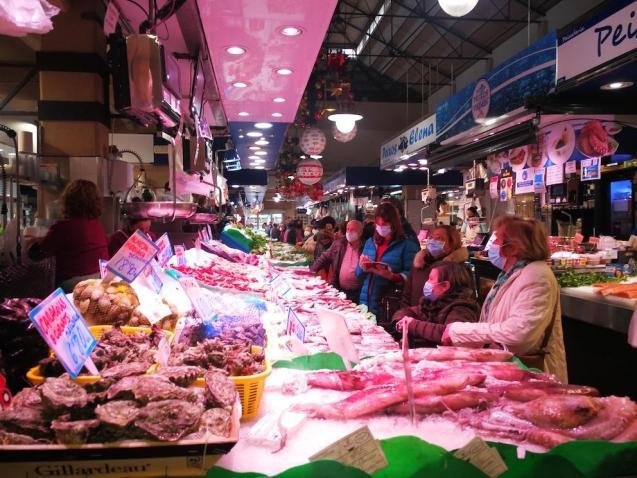 Shoppers at Mercat de l'Olivar in Palma.