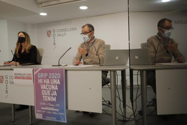Patricia Gómez and Javier Arranz of the Balearic health ministry