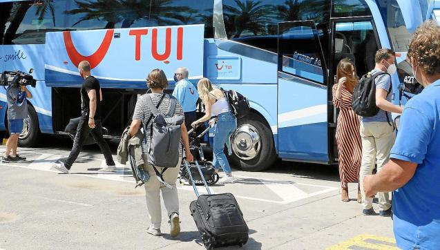 Tourists arriving in Mallorca