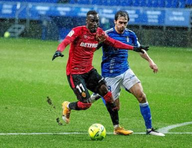 Lago Junior in action in a soggy Oviedo.