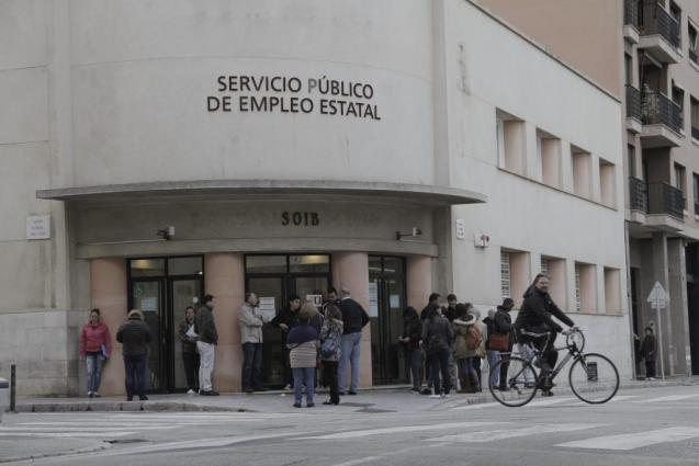 People at an employment office in Palma, Mallorca