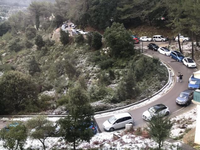 Parking in Mallorca's Tramuntana Mountains