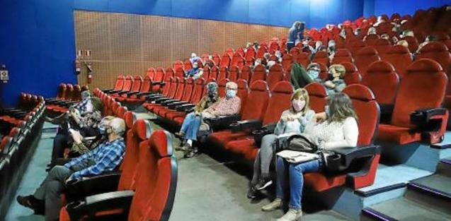Cinema audience in Palma.