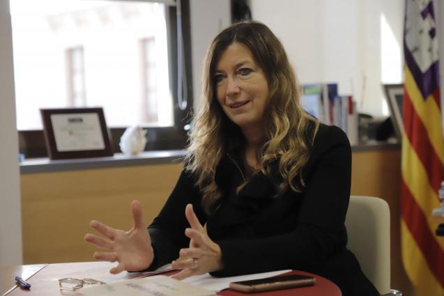 Patricia Gómez, Balearic health minister
