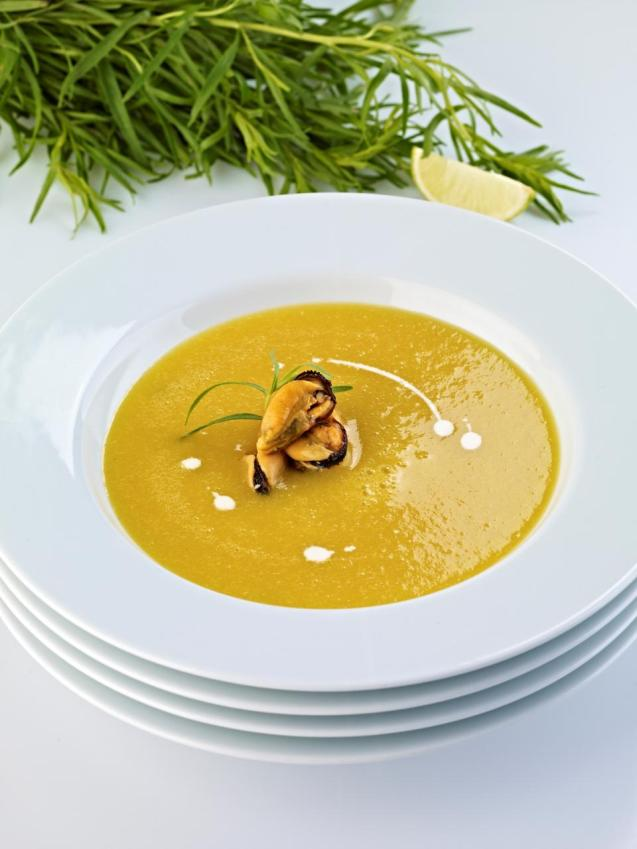 Catalan-style mussel soup