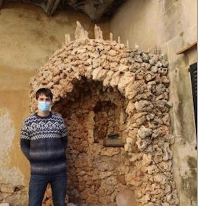 Archivist Bernat Font at Ca ses Monges, Mallorca.