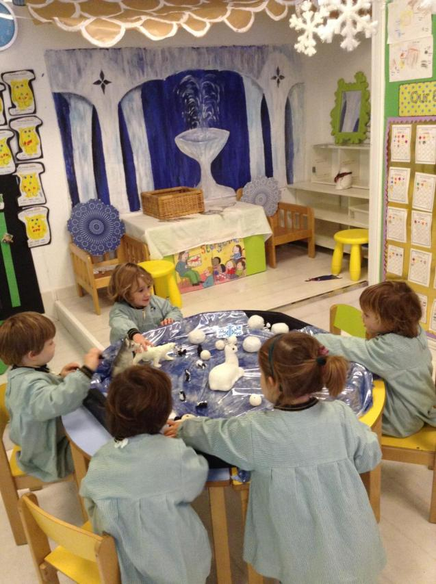 Queen's College nursery children have great time learning about winter
