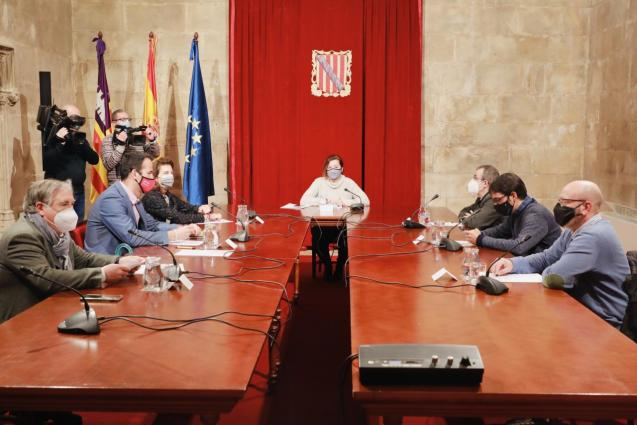 Balearic government meeting with business and union leaders
