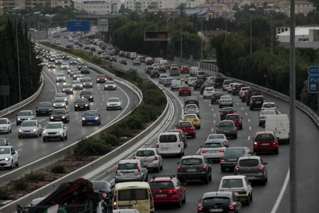 Traffic congestion on the Via Cintura in Palma, Mallorca
