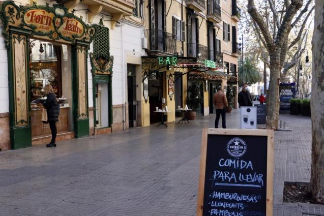 Bars and restaurants are closed due to the Covid-19 restrictions