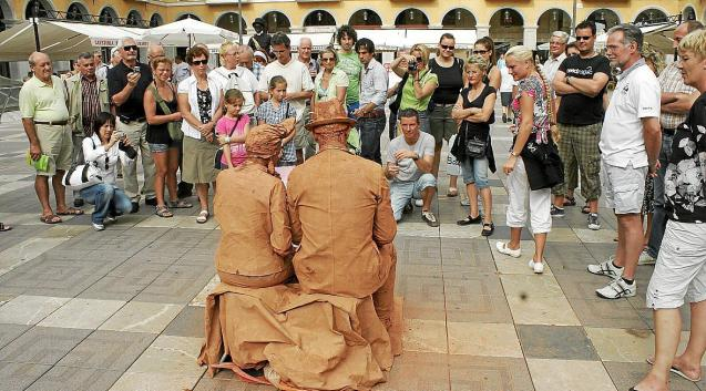 Street performers in Palma, Mallorca