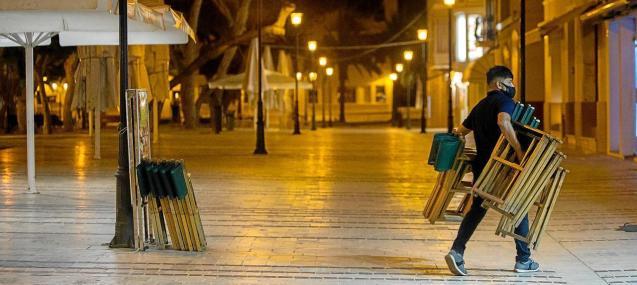 Closure of bars in Minorca