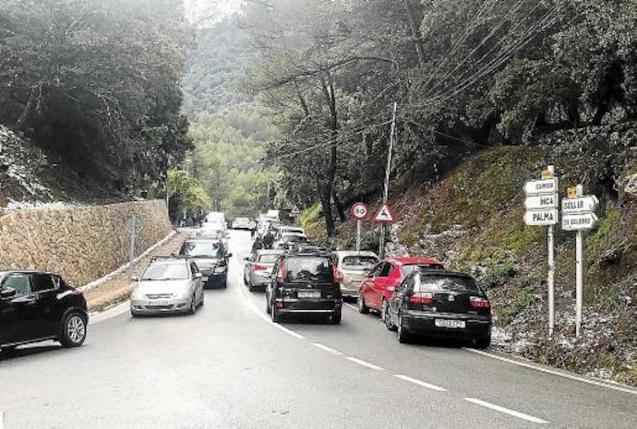 Traffic in the Serra de Tramuntana.