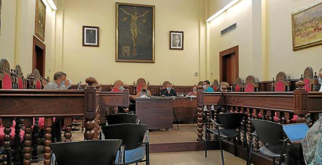 Alcudia town hall council meeting