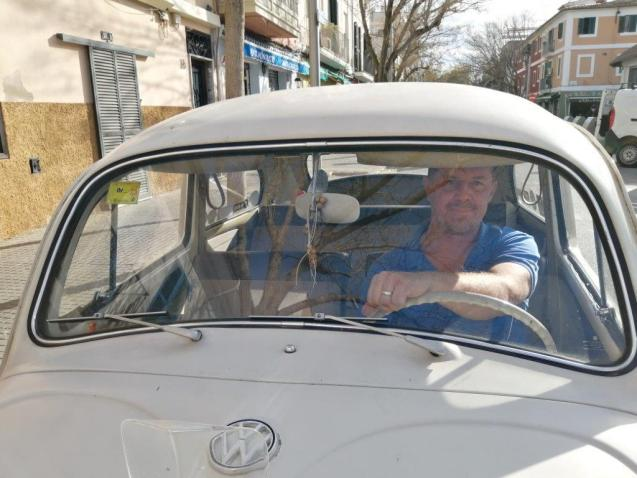 Noel Dyne with his 1963 VW Beetle in Mallorca