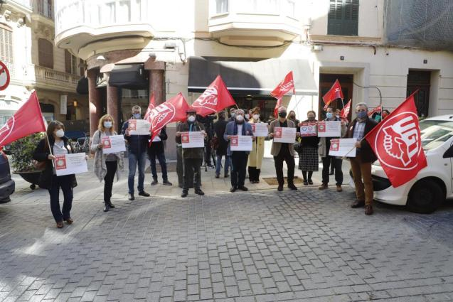 Unions protest outside the national government delegation in Palma, Mallorca