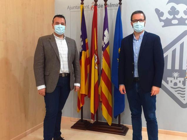 Palma mobility councillor Francesc Dalmau (left) with mayor, José Hila.