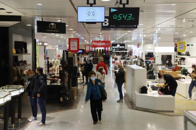 Big shops open at 30 percent