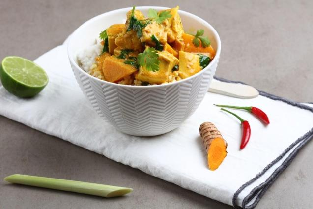 In the kitchen, fresh ginger has a deliciously sweet and fragrant aroma and a fresh, citrus slightly spicy flavour bringing a warm glow to most ingredients