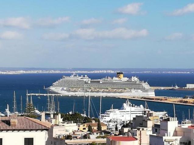 Costa Cruises Ship, Palma.