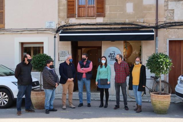 The shop sells artisan products made in Pollensa