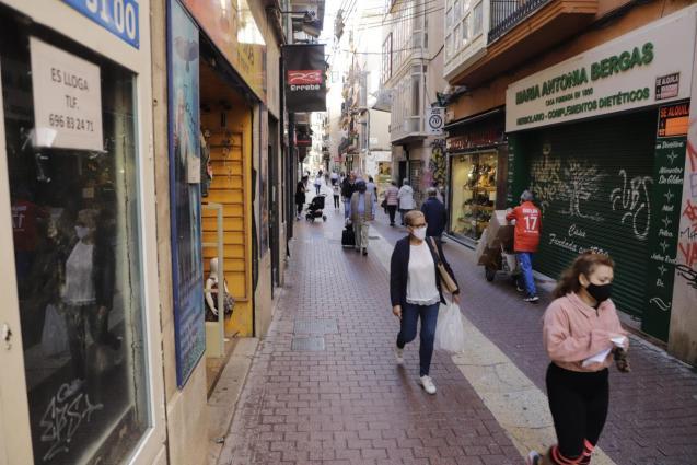 People in shopping street in Palma, Mallorca