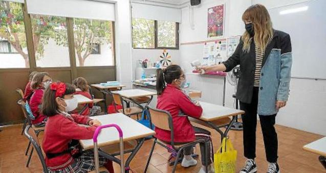 Teachers to be vaccinated in March in Mallorca.