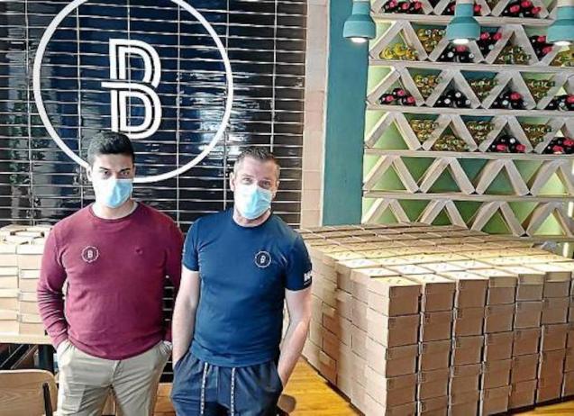 Pablo Ávila y Xisco Ramis, Buco Burger, Palma.