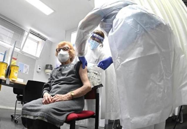 Health Centres to vaccinate over 90's.