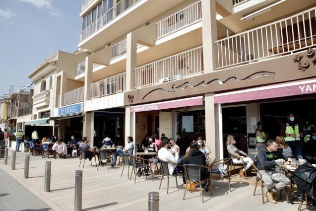 Bar terraces have reopened in Mallorca