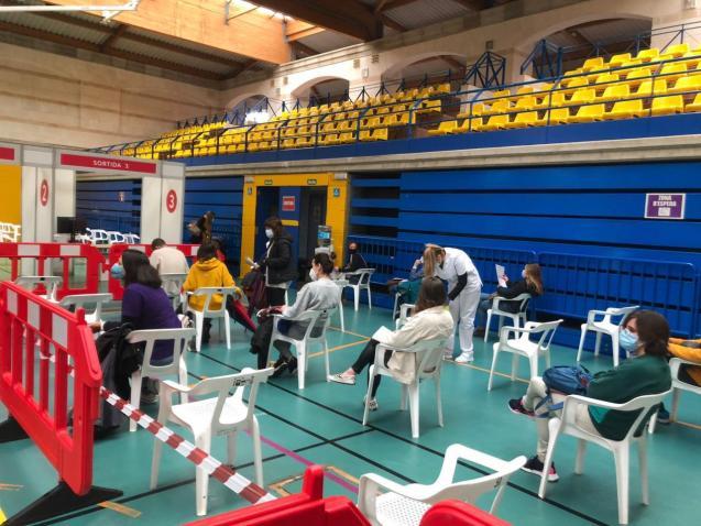 Mass vaccination at sports centre in Palma, Mallorca