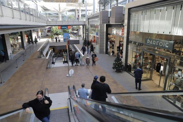 Large shopping centres will open on Saturdays