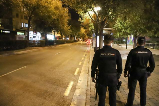 Police in Palma, Mallorca during the curfew