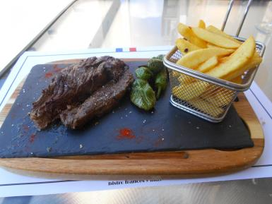 The 10-rated onglet and chips.