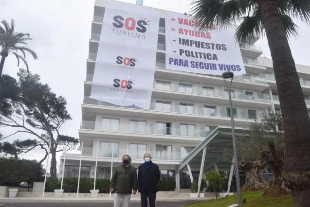 No SOS Turismo at Alcudia town hall