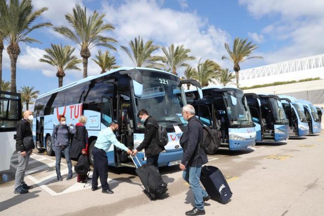 Tui holidaymakers at Palma Airport, Mallorca